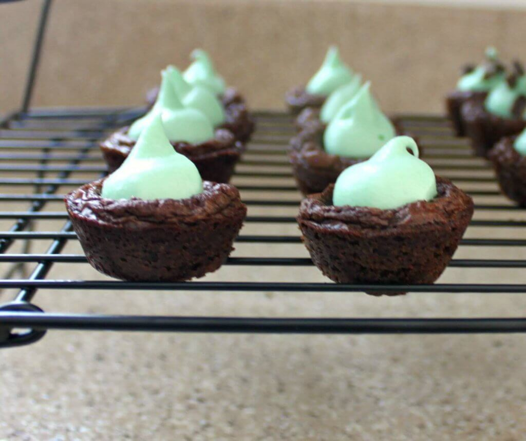 ... these mint chocolate brownie bites are as delicious as they are cute