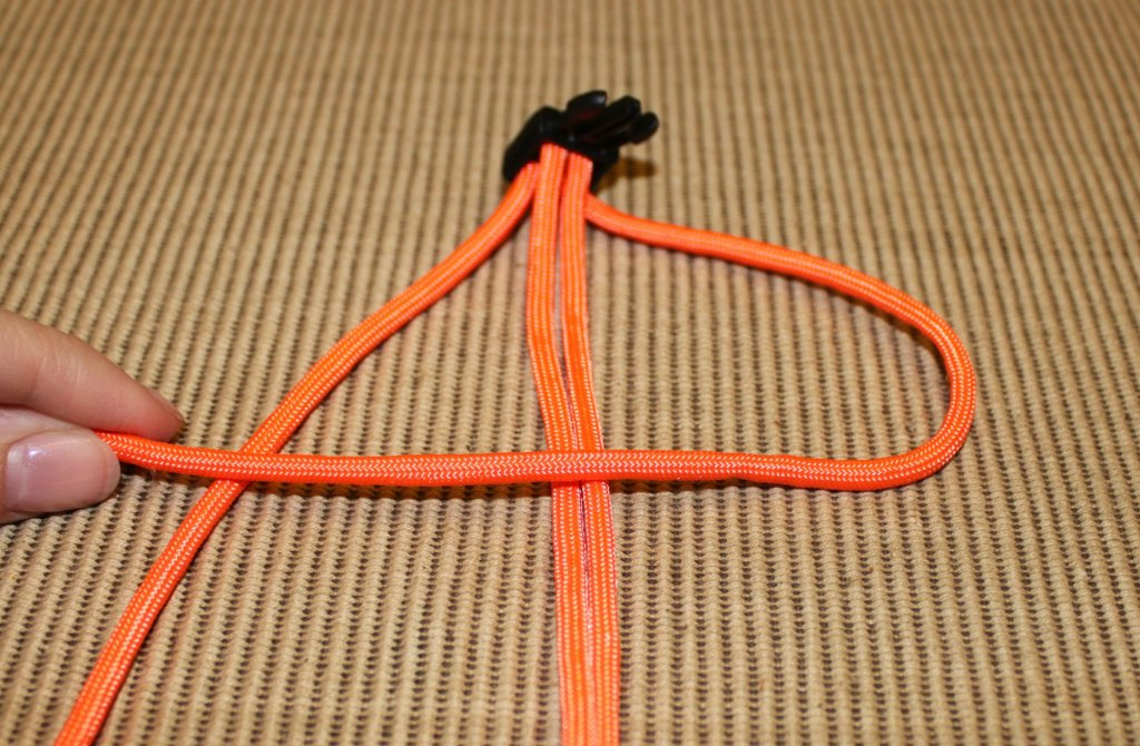 paracord survival bracelet - step 6