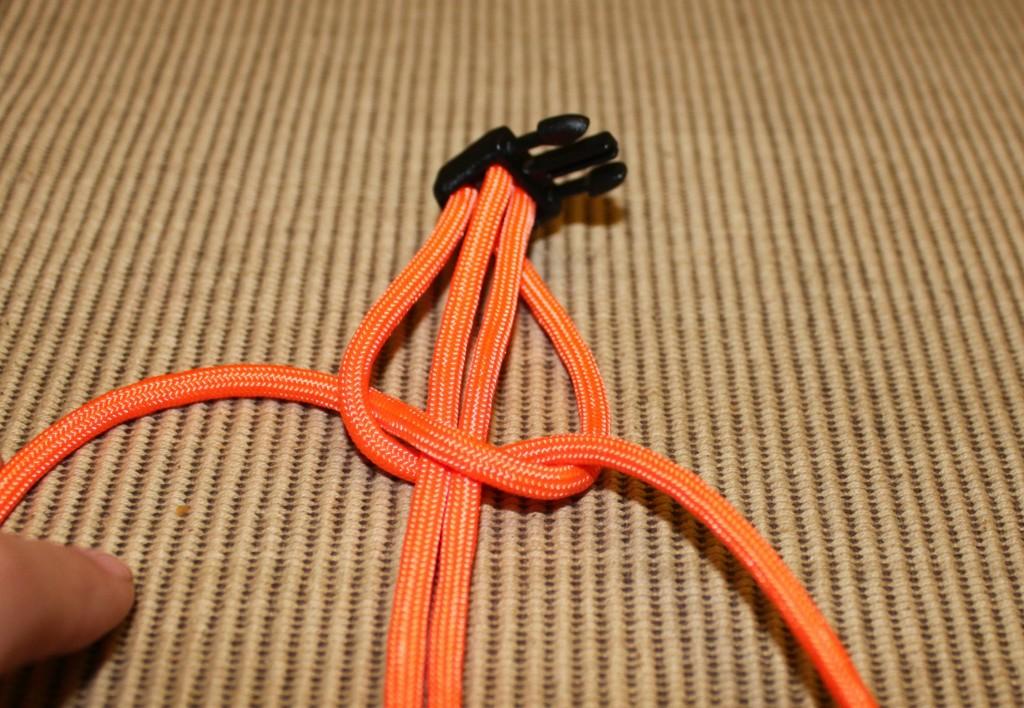 paracord survival bracelet - step 7