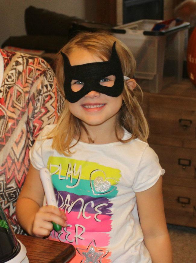 julia-batman-mask