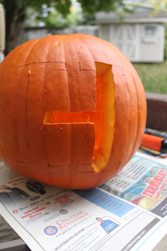 Monogram Pumpkin - remove parts