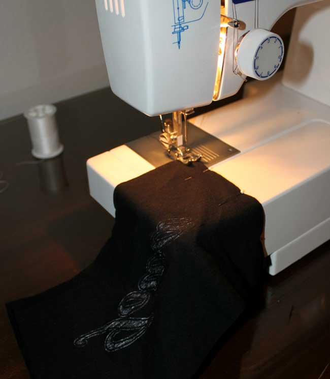 upcycled t-shirt scarf - sewing