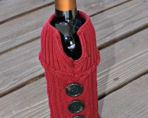 Sweater Wine Bottle Holder - upcycle an old sweater for stylish gift giving.