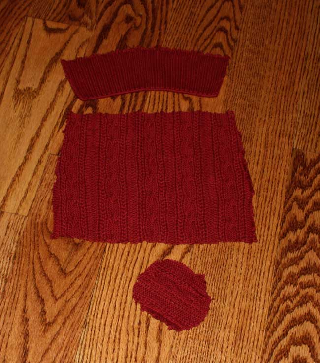 Sweater Wine Bottle Holder - cut up sleeve of sweater or use bottom hem