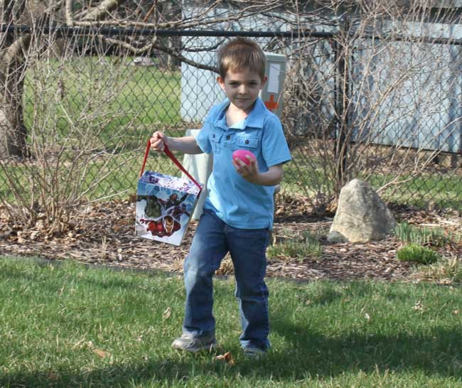 carter-easter-egg-hunting_sm