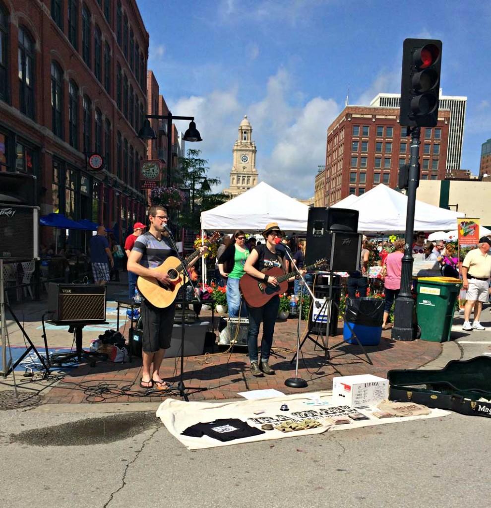 famers-market-singers