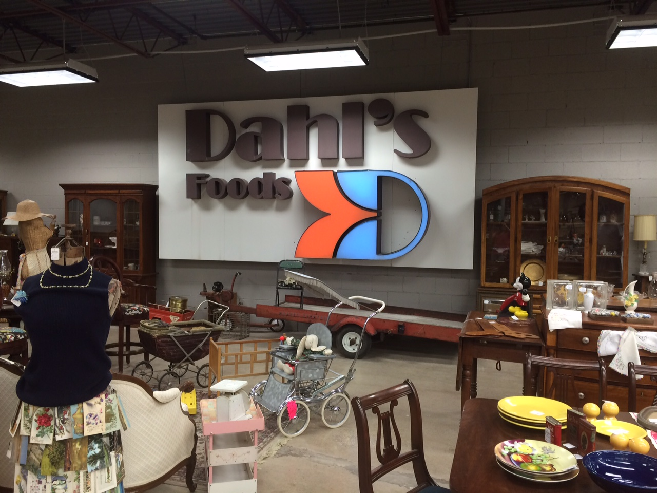 Dahls Sign - The Picker Knows
