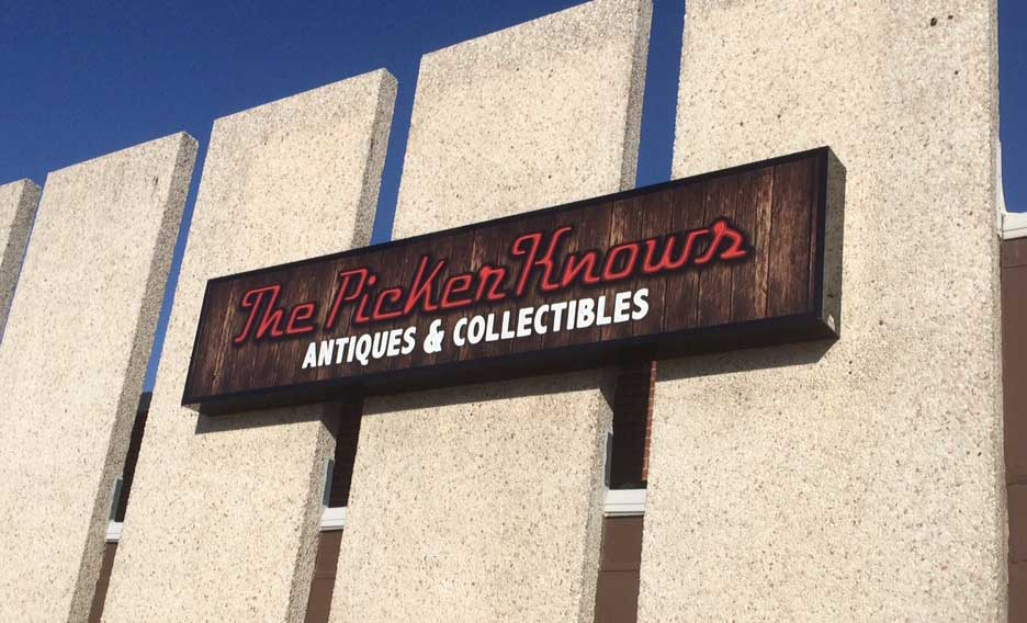 Picker Knows Antiques and Collectibles