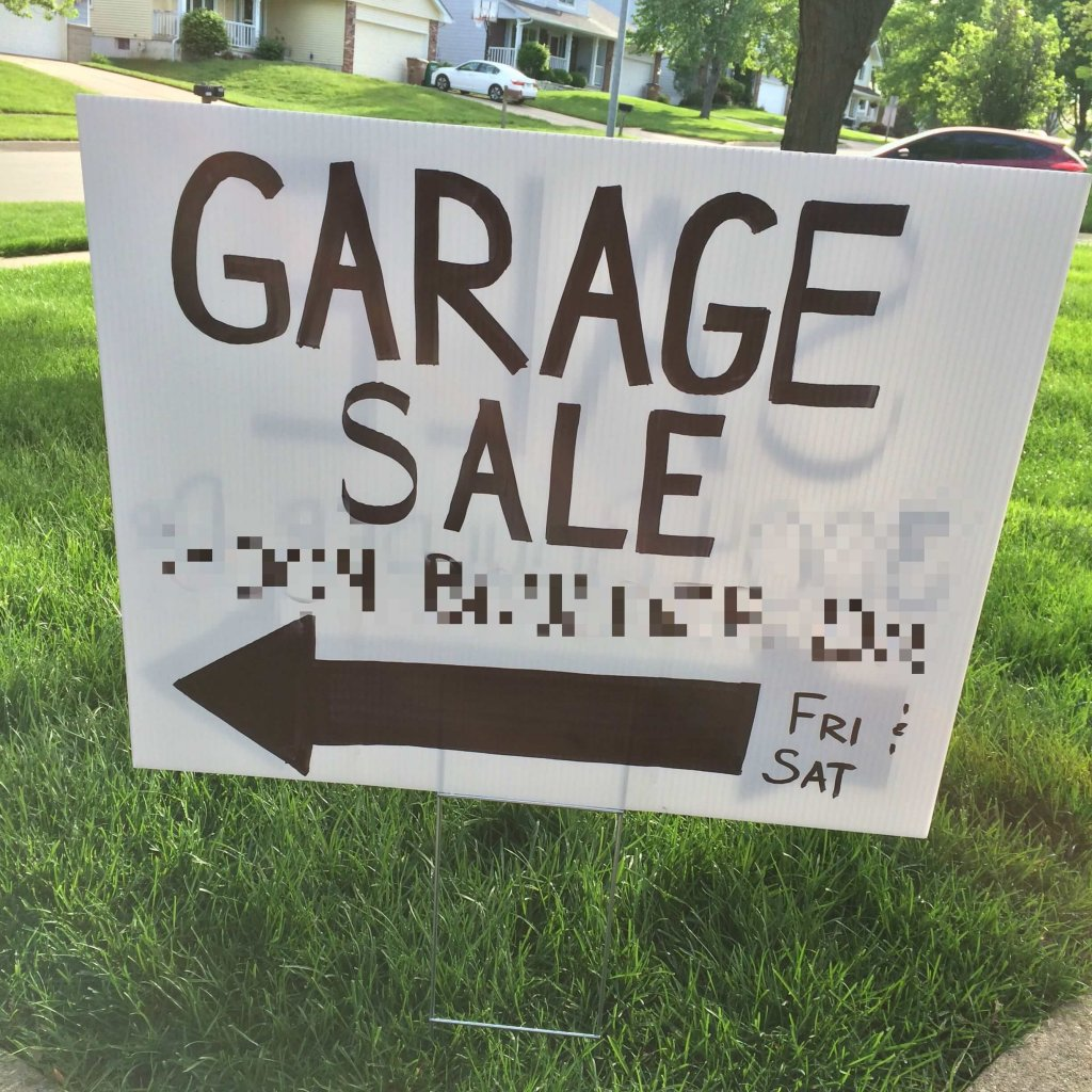 Garage Sale Signs - TIP: Use giant arrows