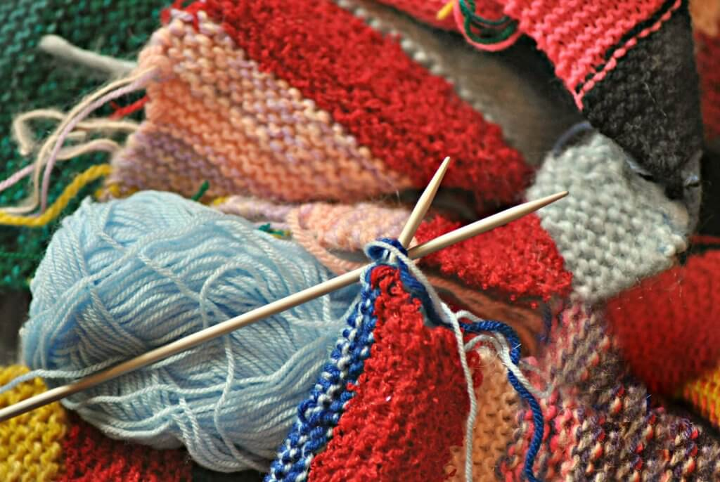10 Things to Do on an Airplane - knitting