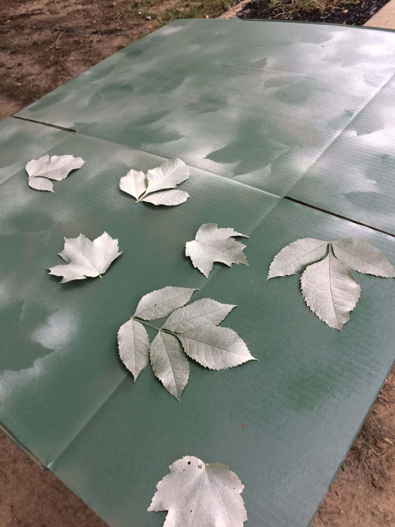 painting camouflage - reposition leaves